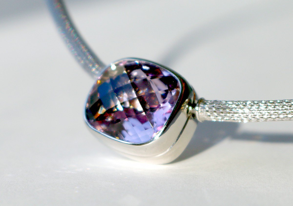 Colliermittelteil 750/Weißgold, Amethyst Rose de France