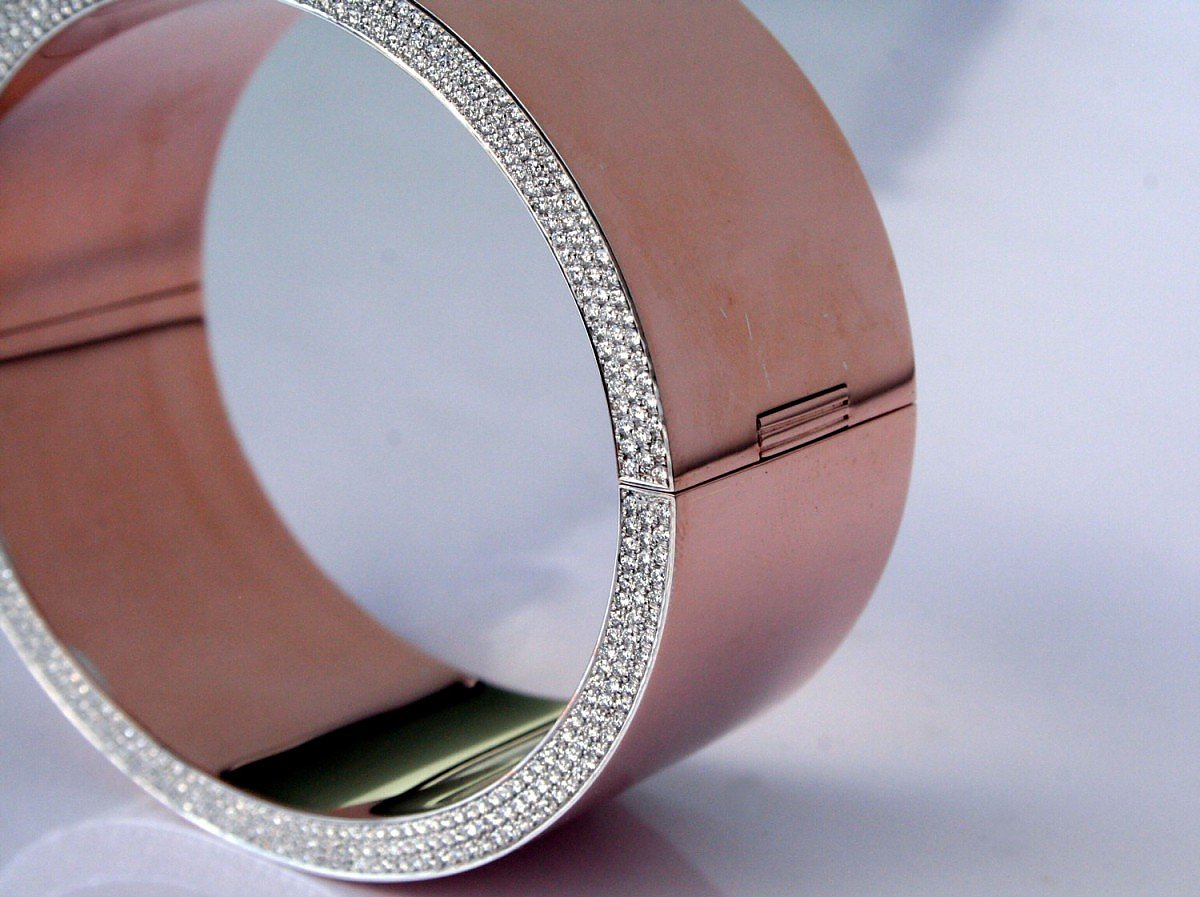 Bracelet, Rosegold and Diamonds by Isabelle Fa